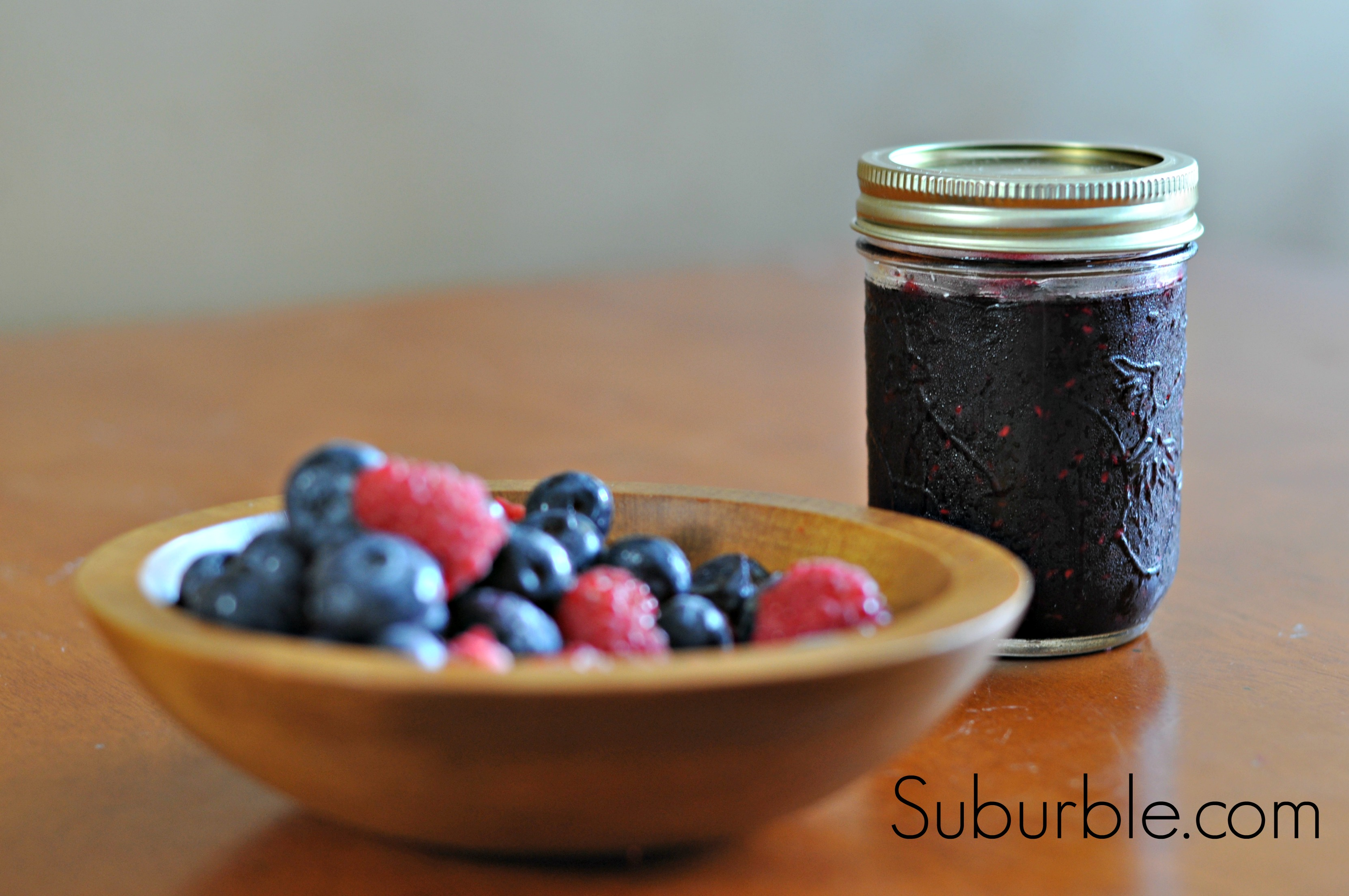Low Sugar Raspberry Blueberry Freezer Jam (It's soooo good ...