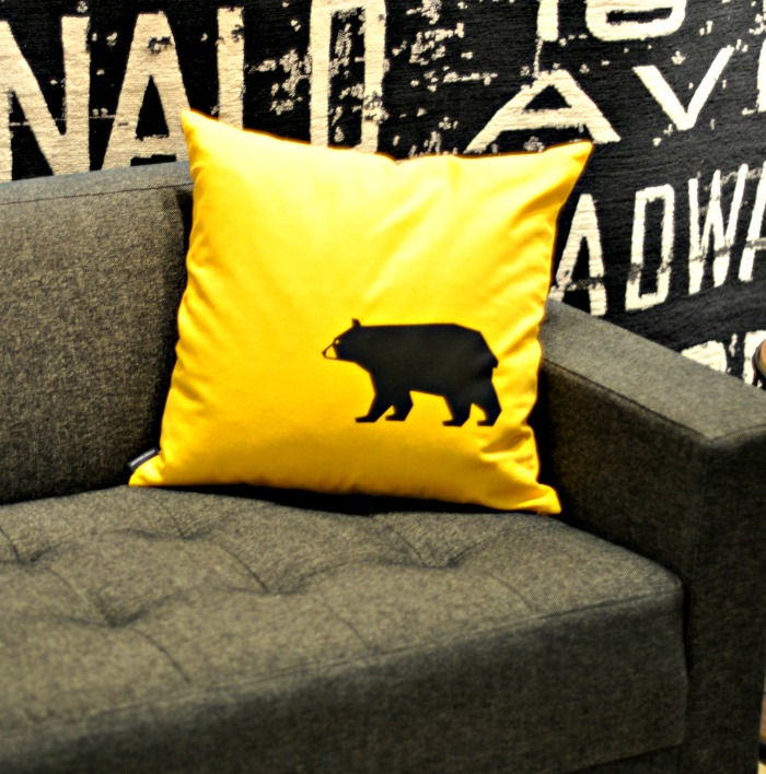 IDSWest - Bear pillow - Suburble