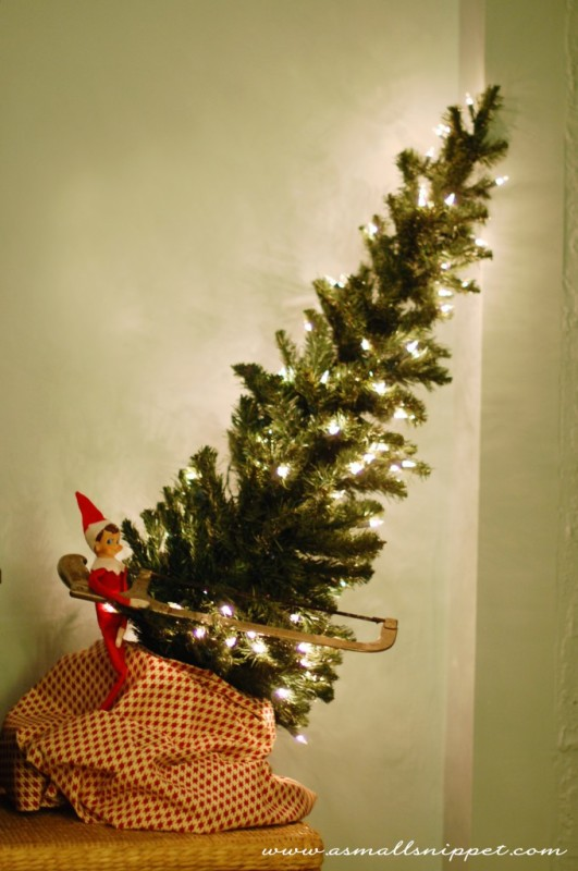 a small snippet elf on the shelf