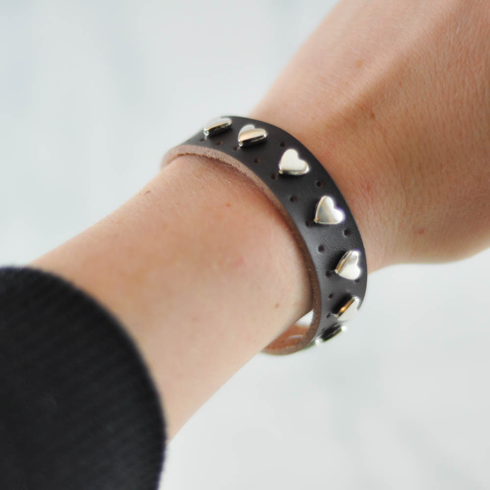 Heart Leather Cuff Tutorial Suburble Com 1 Of