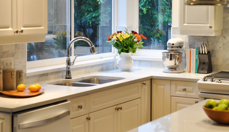 The Kitchen Project: Sink Bling With The Delta Touch 20 Faucet