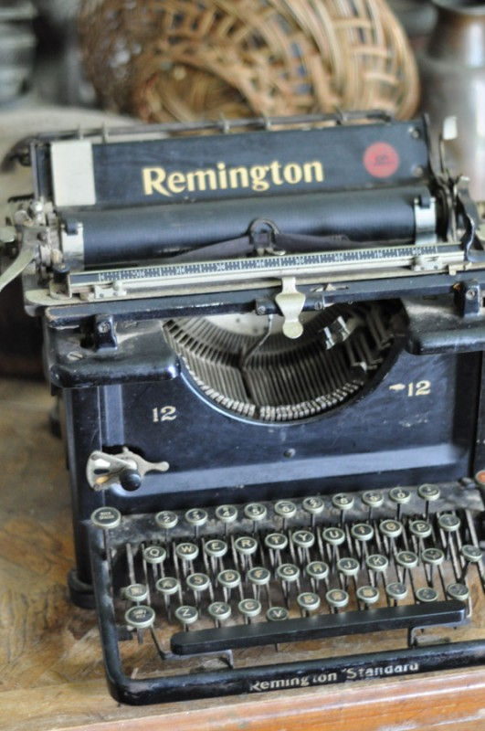 Remington Typewriter  - Suburble.com-1