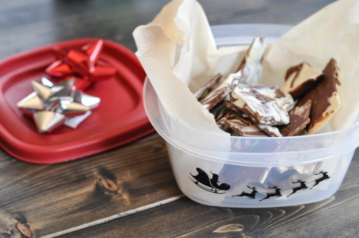 Adding Festive Flair to Rubbermaid Containers-5