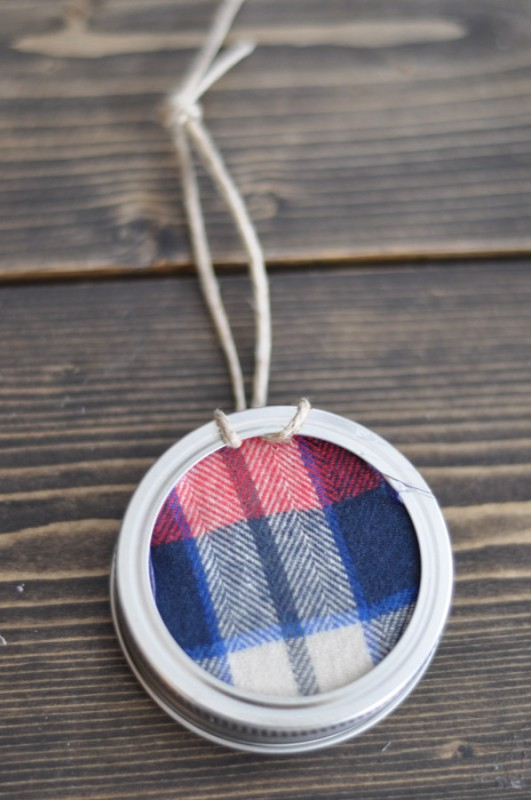 Mason Jar Lid Ornament-3