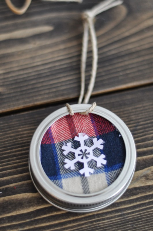 Mason Jar Lid Ornament-4