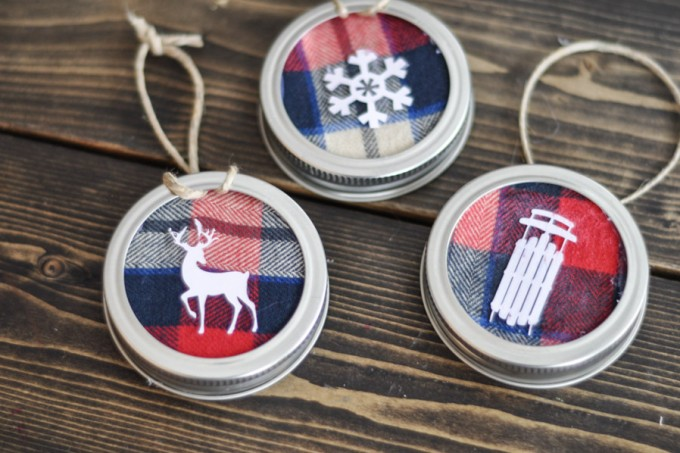 Mason Jar Lid Ornament-5