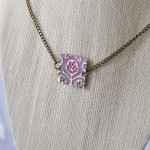 Spring flowers: a simple necklace