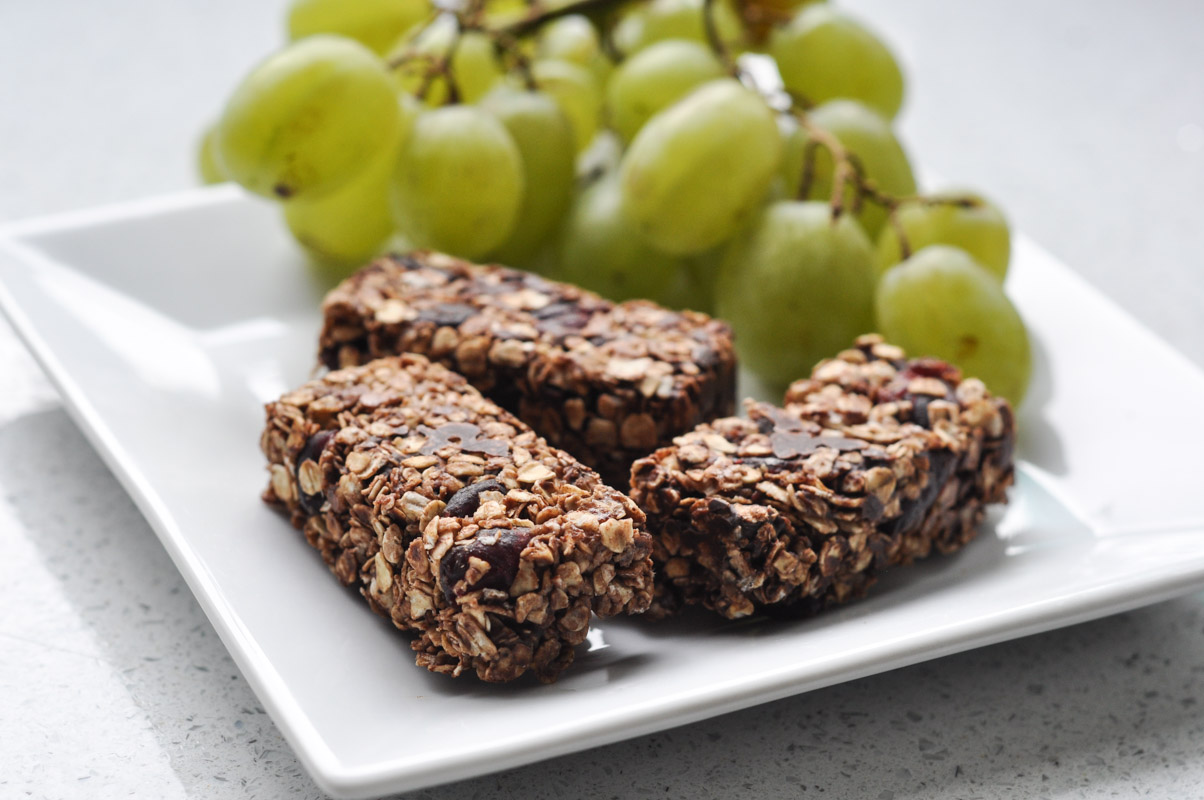 Chocolate Chip and Cranberry Granola Bars-4