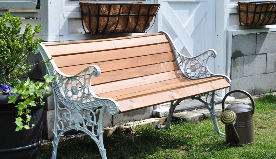 Restoring A Park Bench (aka saving it from the garbage heap!)