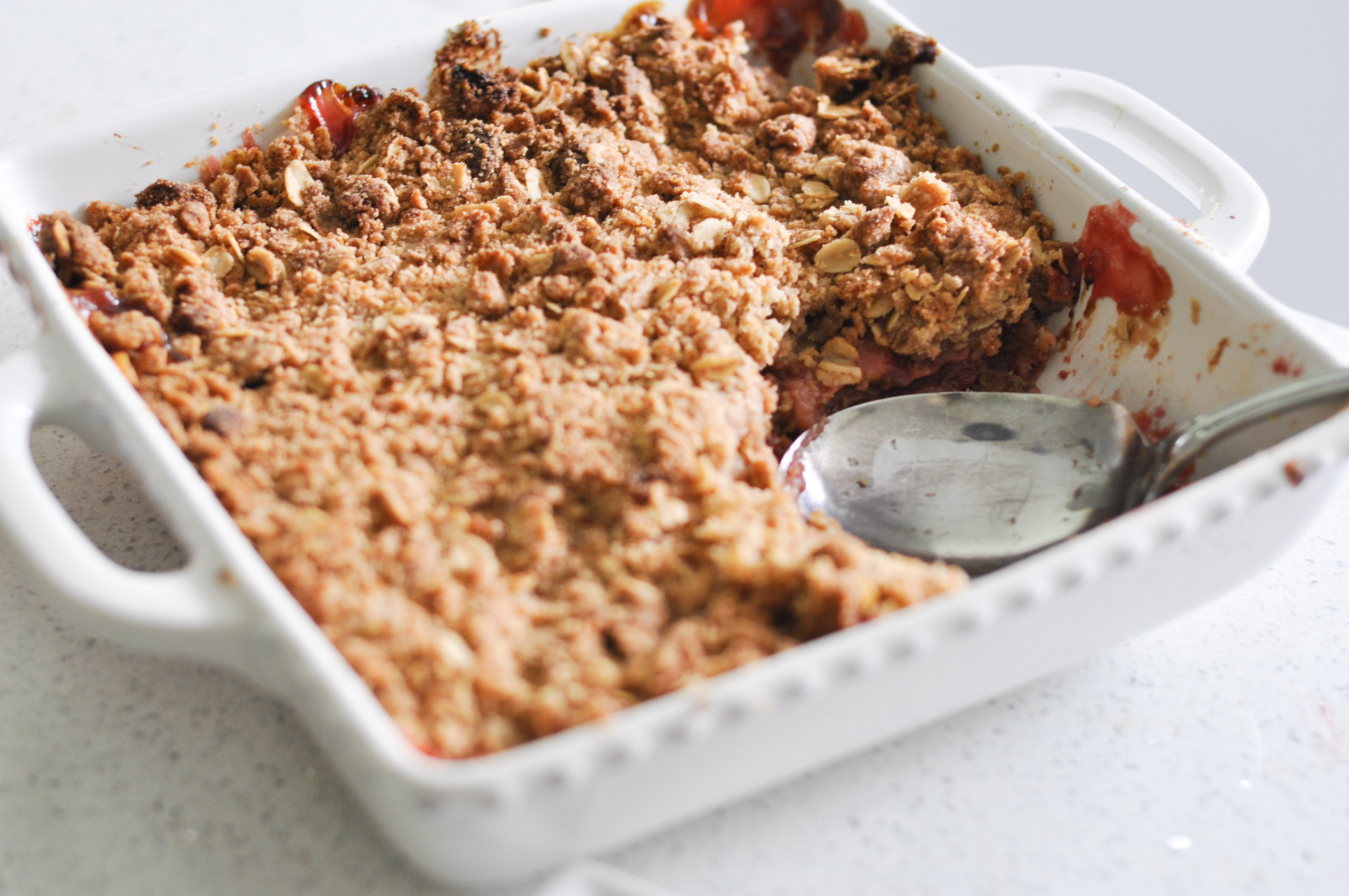 Strawberry Rhubarb Crumble - Suburble