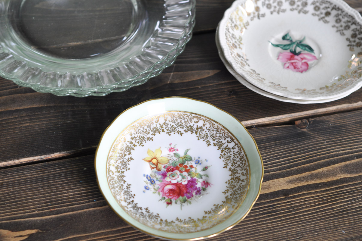 DIY Cakeplates From Thrifted Plates-1