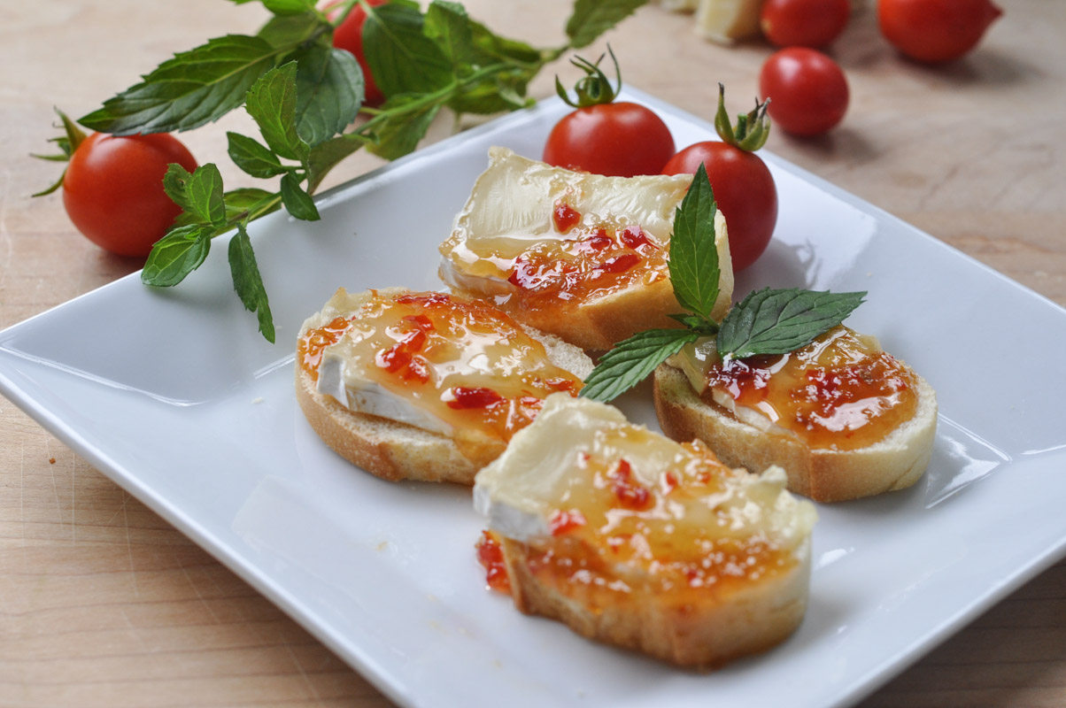 Sweet and Spicy Baked Brie Bites-5