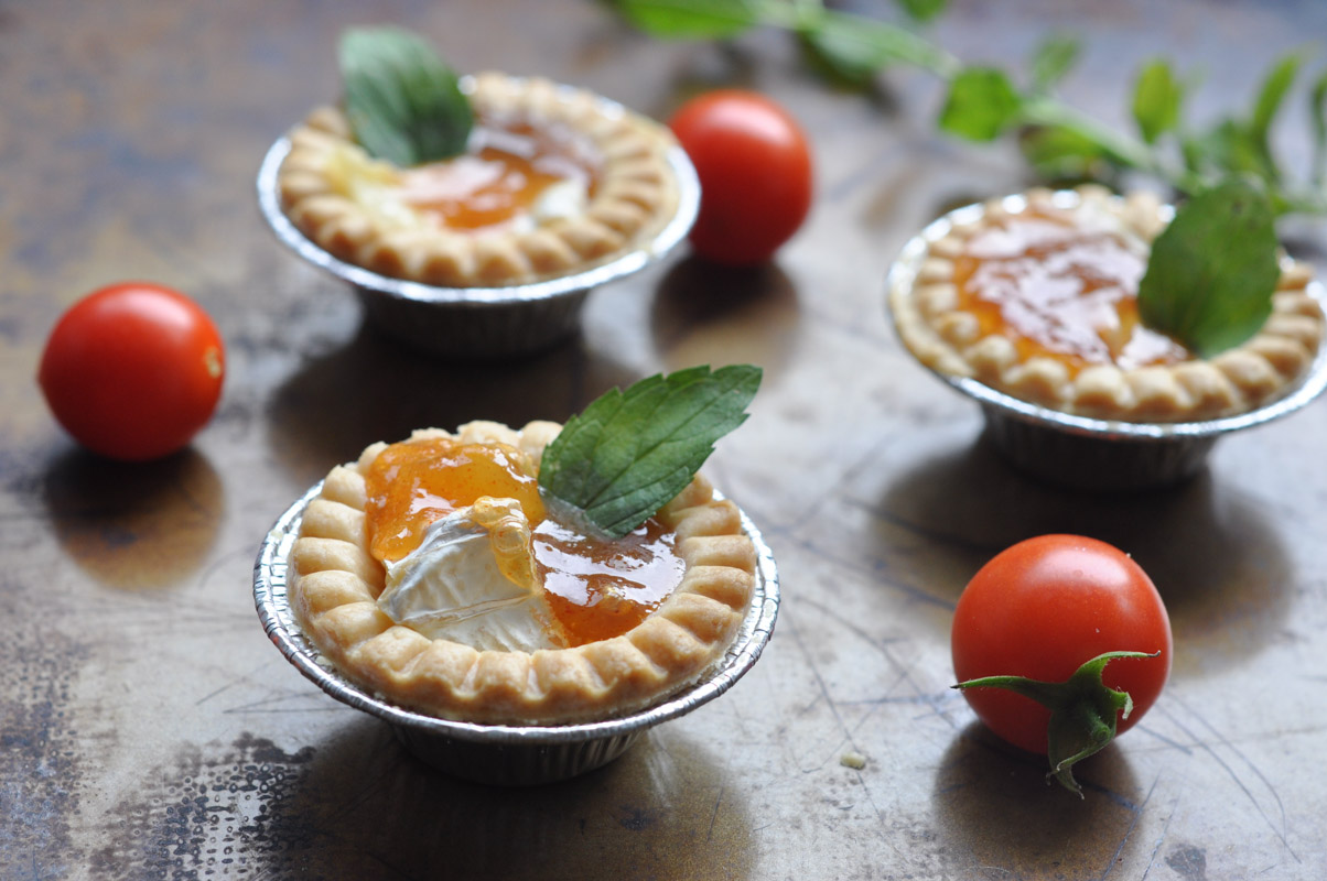 Sweet and Spicy Baked Brie Bites-8