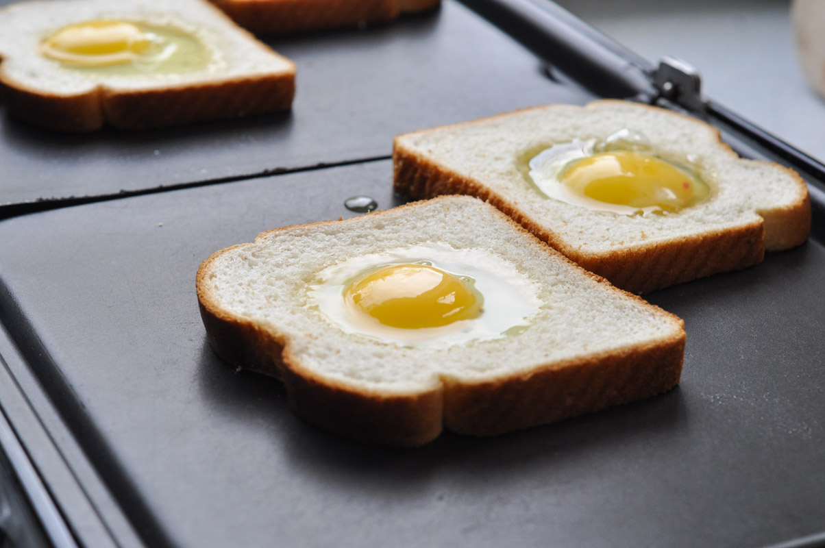 Toad in the Hole - Eggs in Toast Recipe-5
